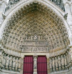 Skulpture Navještenja i Vizitacije s fasade katedrale u Reimsu, oko Free Standing Sculpture, Public Space Design, Modern Gothic, Medieval Gothic, Gothic Cathedral, Art Story, Gothic Architecture, Place Of Worship, Kirchen