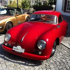 Red Porsche Can you picture me in it? Porsche 356 Outlaw, Porsche 356 Speedster, Porsche 356a, Porsche Cars, Vintage Sports Cars, Retro Cars, Vintage Cars, Hot Rods, Ferdinand Porsche