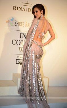 Malaika Arora Khan for Rina Dhaka at Indian Couture Week (July) 2014 Bollywood Dress, Pakistani Dresses, Bollywood Fashion, Indian Dresses, Indian Outfits, Indian Bollywood, Indian Celebrities, Bollywood Celebrities, Lehenga