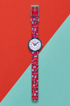 DEMOISELLES (ZFPNP059) is a trendy textile watch for kids, with a one-of-a-kind design. It's printed with stylish illustrated insects, and the blue details on the plastic dial complete the look. Both shock and water resistant, this red analogue watch for kids would be a great gift and makes learning to tell the time a blast! What's more, the funky strap is machine washable at 40°C. Telling Time, Big Ben, Swatch, Insects, Great Gifts, Plastic, Printed, Learning, Stylish
