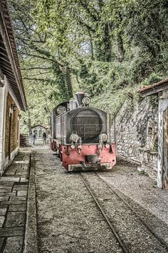 Steam scenic train at Mount Pelion, Volos, Greece Myconos, Bonde, Old Trains, Train Tracks, Greece Travel, Places To See, Beautiful Places, Scenery, Around The Worlds
