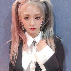 Kpop Girl Groups, Korean Girl Groups, Kpop Girls, Cute Girls, Cool Girl, Pixie, Pretty Korean Girls, Pretty Girls, Hair Icon