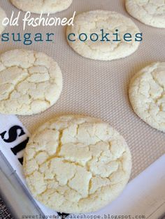 will try these, but allergy friendly: Sweet Lavender Bake Shoppe: old fashioned sugar cookies + part 2 of ice cream sandwich week. Old Fashioned Sugar Cookie Recipe, Chewy Sugar Cookie Recipe, Lemon Sugar Cookies, Homemade Cookies, Cookie Recipes, Dessert Recipes, Sugar Pie, Bar Recipes, Cookie Ideas