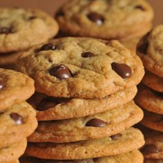 Enjoy the same classic taste of the original NESTLÉ® TOLL HOUSE® Chocolate Chip cookies with these chocolate chip pan cookies. Just bake, cool, slice and serve Dark Chocolate Chip Cookies Recipe, Chip Cookie Recipe, Cookie Recipes, Paleo Recipes, Chocolate Morsels, Chocolate Chips, Nestle Chocolate, Healthy Chocolate, Chocolate Dipped