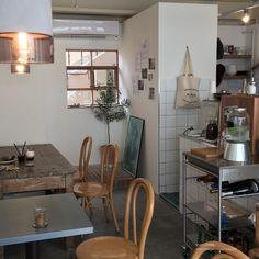 Cafe Interior, Interior Design, Korean Cafe, Coffee Shop Aesthetic, Cafe Concept, Small Cafe, Cafe Shop, Slow Living, Cafe Design