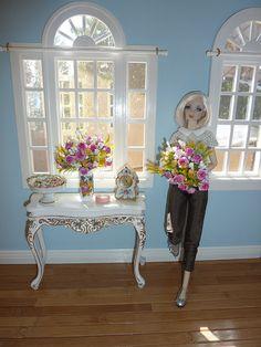 1:6 dollhouse room box by Rachelynne, via Flickr...great windows