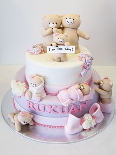 Forever Friends Bears This cake is so freakin cute! (minus the ugly flower bunches) Baby Birthday Cakes, Baby Cakes, Girl Cakes, Sweet Cakes, Cute Cakes, Cupcake Cakes, Fondant Cakes Kids, Bear Birthday, Baby Shower Cakes