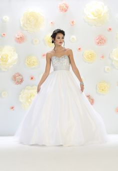 Quinceanera dresses, decorations, tiaras, favors, and supplies for your quinceanera! Many quinceanera dresses to choose from! Quinceanera packages and many accessories available! Puffy Dresses, 15 Dresses, Nice Dresses, Wedding Dresses, Turquoise Quinceanera Dresses, Pretty Quinceanera Dresses, Ideas Geniales, Formal Prom, Color Rosa