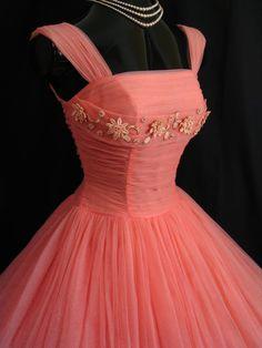 Vintage 1950's Dress via Etsy.