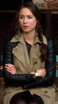 A website that tells you what brand/where you can buy clothes worn on PLL.look angie metzger now you can buy all of spencers clothes! Pretty Little Liars Spencer, Pretty Little Liars Outfits, Pll Outfits, Cute Outfits, Spencer Hastings Outfits, Spencer Pll, Beauty Book, Gossip Girl, Autumn Winter Fashion