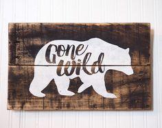 Pépinière rustique signe de palette ours par ToEachHisOwnDesigns