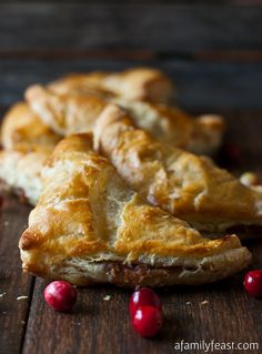 Turkey & Stuffing Turnovers - A delicious (and easy!) way to use your Thanksgiving dinner leftovers. Top puff pastry squares with mixture of cold turkey, stuffing, gravy, and cranberry. Leftovers Recipes, Turkey Recipes, Fall Recipes, Holiday Recipes, Dinner Recipes, Christmas Desserts, Pumpkin Recipes, Holiday Ideas, Chicken Recipes