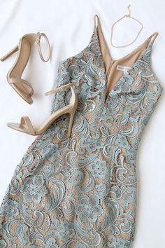 Dress the Population Marie Slate Blue Lace Midi Dress 5 - Stylish OMG Mode Outfits, Fashion Outfits, Womens Fashion, Dress Fashion, Fashion 2018, Latest Fashion, Pretty Dresses, Beautiful Dresses, Blue Lace Midi Dress