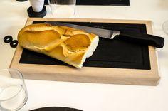 Tabla para cortar el pan de 35X20 con plato de 30X15 #slate #boards #slate #ardoise #ardosia #decoração #decoracion #decoration #décoration #pizarra #cocina #cuisine #cozinha