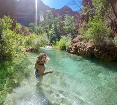 Havasu Falls Do's & Dont's: Tips for a Successful Hike - Bearfoot Theory Havasu Falls Arizona, Havasupai Falls, Sedona Arizona, Arizona Road Trip, Arizona Travel, Havasu Falls Camping, Fall Packing List, Packing Lists, Tucson Hiking