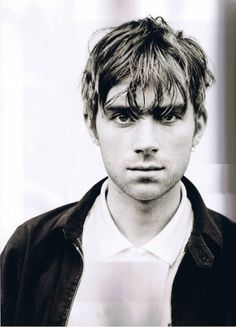 Damon Albarn, because he's a music genius. Because he's the leader of Gorillaz and Blur Damon Albarn, Music Love, Music Is Life, Blur Picture, The Wombats, Music Genius, Nostalgia, Jamie Hewlett, Britpop