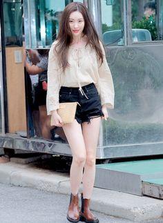 선미 Kpop Fashion, Korean Fashion, Airport Fashion, Girl Fashion, Womens Fashion, Daily Fashion, Street Fashion, Spring Summer Fashion, Autumn Winter Fashion