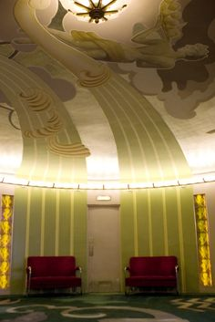 Interior, Orinda Theater, Orinda, California. The Orinda Theatre was opened in 1941 and was built by Donald Rheem, with architect Alexander Aimwell Cantin. photo by San Francisco Film Museum.