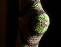 Fork in the Road sock - FREE pattern from Lara Neel, Math 4 Knitters Crochet Socks, Knitted Slippers, Wool Socks, Knit Or Crochet, Knitting Socks, Knitting Patterns Free, Free Knitting, Free Pattern, Little Cotton Rabbits