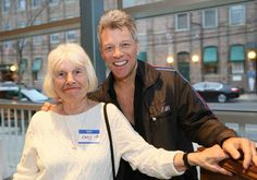 Jon Bon Jovi cria restaurante comunitário para ajudar pessoas carentes