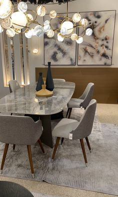 Glass Dinning Table, Dinning Table Design, Modern Dining Table, Dining Table Chairs, Luxury Home Furniture, Home Decor Furniture, Luxury Dining Room, Dining Room Inspiration, Deco Table