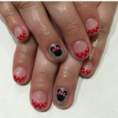 Disney nails are always a must when you're heading to Disneyland!!!! Nails by Tram @tramsnails #seasonssalon #nailart #naildesigns #handpainted #summernails #summernailswag #blmanimonday #repost #minimouse #mickymouse #disneyland #disneylandnails #Padgram