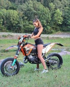"572 Likes, 2 Comments - ENDURO & MOTARD #PMC (@passionemotocross__) on Instagram: ""Bike Girl #ktm #125 #exc #wheelie #supermoto #moto #bikeporn #motard #motardmafia #2stroke…"""