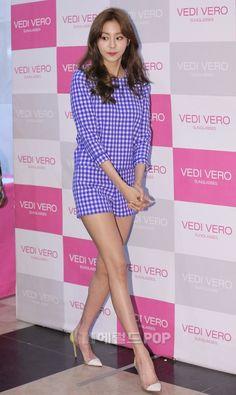Uee - After School Kpop Girl Groups, Kpop Girls, Uee After School, Airport Style, Airport Fashion, Orange Caramel, Ideal Body, Girl Fashion, Womens Fashion