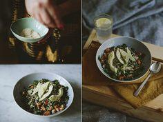De warme (groene) breakfastbowl is één van dé foodtrends van 2017. Het idee: granen, groenten en zaden, allemaal in één bowl. Lekker!
