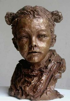Nacera Kainou, SARAH, figurative bronze portrait sculpture of small girl