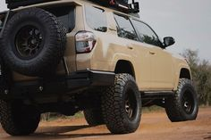 Save by Hermie Toyota Trucks, Toyota 4runner, Future Car, Offroad, Monster Trucks, Cars, Vehicles, Ideas, Knives