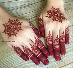 New Finger Henna Mehndi Designs - Kurti Blouse Henna Hand Designs, Round Mehndi Design, Mehndi Designs Finger, Simple Arabic Mehndi Designs, Mehndi Designs For Beginners, Mehndi Designs For Girls, Wedding Mehndi Designs, Mehndi Designs For Fingers, Beautiful Henna Designs