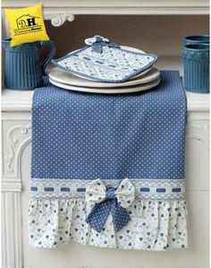 Canovaccio Angelica Home & Country Collezione Cuori Oceano Versione Blu Soft Towels, Dish Towels, Hand Towels, Tea Towels, Table Runner And Placemats, Table Runners, Sewing Crafts, Sewing Projects, Fruit Holder