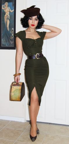 I dont think this pin up worthy outfit is supposed to be for Halloween but it would be so perfect for the Style pencil skirt, wiggle dress. Pin Up Vintage, Pin Up Retro, Vintage Mode, Vintage Looks, Modern Vintage Style, Vintage Glam, Looks Rockabilly, Rockabilly Mode, Rockabilly Fashion