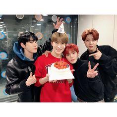 doyoung, jaehyun, taeyong and johnny 💚 Nct 127, Johnny Seo, Nct Johnny, Lucas Nct, Mark Lee, Winwin, Kpop Memes, Nct Doyoung, Nct Life