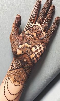 50 Most beautiful Front Hand Mehndi Design (Front Hand Henna Design) that you can apply on your Beautiful Hands and Body in daily life. Mehndi Designs Front Hand, New Henna Designs, Latest Bridal Mehndi Designs, Khafif Mehndi Design, Mehndi Designs For Girls, Mehndi Designs For Beginners, Mehndi Designs 2018, Dulhan Mehndi Designs, Modern Mehndi Designs