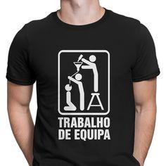 Trabalho de equipa! 😂 #zizimut #funnytshirts #tshirts #hoodies #sweatshirt #giftshops #personalizedgifts #personalizadas #porto🇵🇹 #tshirtshop #beer #cerveja #alcool #bebedeira #festa #tshirtbebedeira