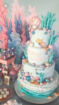 first birthday centerpiece Mermaid Birthday Cakes, Little Mermaid Birthday, Little Mermaid Parties, Mermaid Cakes, 1st Birthday Parties, Girl Birthday, Birthday Party Decorations, Birthday Ideas, Cupcakes
