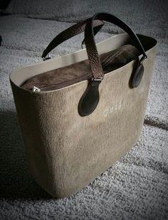Obag Brush, Tote Handbags, Purses And Handbags, Pandora Bag, Cute Bags, Handbag Accessories, Fashion Bags, Leather Bag, Shoe Bag