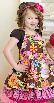love this kids apron pic only Sewing Hacks, Sewing Projects, Childrens Aprons, Cool Aprons, Sewing Aprons, Mom Dress, Kids Apron, Sewing For Kids, Toddler Dress