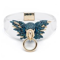 Alexis Bittar Feathered Parrot Hinge Bracelet ($395) ❤ liked on Polyvore featuring jewelry, bracelets, clear, alexis bittar jewelry, feather bangle bracelet, clear lucite jewelry, feather jewelry and hinged bangle