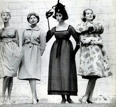 1959 - Models wearing, left to right: a Lanvin beige taffeta cocktail dress, a Laroche dress and jacket in green wool, a new Yves Saint Laurent for Dior ankle-length empire dress, and a Cardin shocking pink flowered evening coat by Mark Shaw. Vintage Dior, Vintage Rock, Vintage Vogue, Vintage Style, Balmain, 1950s Fashion, Vintage Fashion, Lanvin, Empire Silhouette