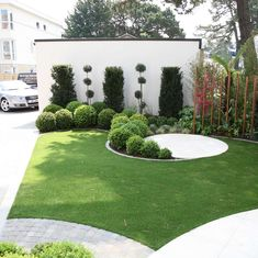 Latest Landscaping Projects in Dorset & Hampshire by Redcliffe Landscape Gardeners Circular Garden Design, Back Garden Design, Back Gardens, Outdoor Gardens, Large Backyard Landscaping, Landscape Design Plans, Garden Planters, Garden Planning, Garden Projects