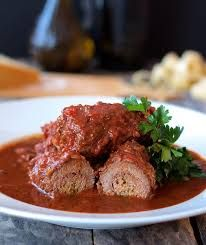 Beef Braciole is a hearty, slowly-simmered wine-infused homestyle southern Italian dish that's perfect for a wintry night. Braciole Recipe Giada, Braciole Recipe Italian, Slow Cooker Recipes, Beef Recipes, Cooking Recipes, Healthy Recipes, Beef Dishes, Food Dishes, Food Dinners