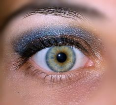 #blue #navi and #bronze #makeup perfect to wear with blue #jeans