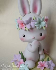 Woodland Theme Cake, Cake Design Inspiration, Panda Art, Animal Cakes, Bunny Art, Clay Figures, Pasta Flexible, Cute Creatures, Sugar Art