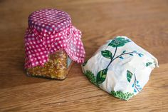 This environmentally friendly alternative to plastic cling film is easy to make at home. Words: Janet Luke Photos: John Cowpland Wax food wraps are made by infusing a mix of beeswax and almond oil into cotton fabric – they are an easy-to-make, environmentally friendly alternative to plastic cling film. A wrap becomes sticky when warmed …