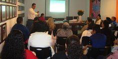Imparten seminario a coordinadoras del Programa AMSIF
