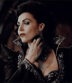 The Evil Queen in 6x02 A Bitter Draught