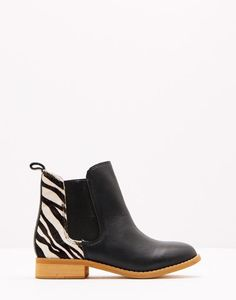 Chelsea Black Boots | Joules UK